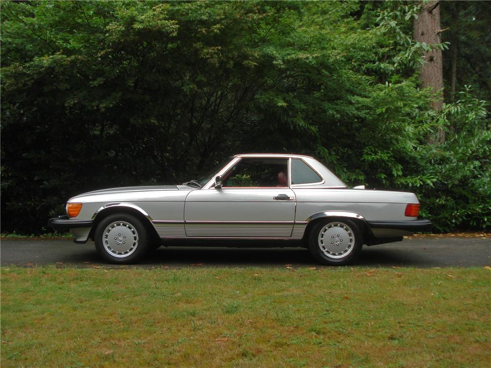 1986 MERCEDES-BENZ 560SL CONVERTIBLE - Side Profile - 157970