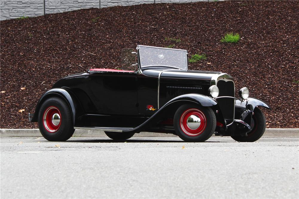 1930 FORD CUSTOM ROADSTER - Front 3/4 - 157973