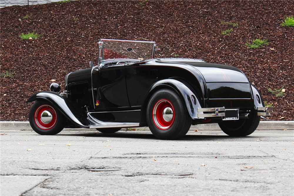 1930 FORD CUSTOM ROADSTER - Rear 3/4 - 157973