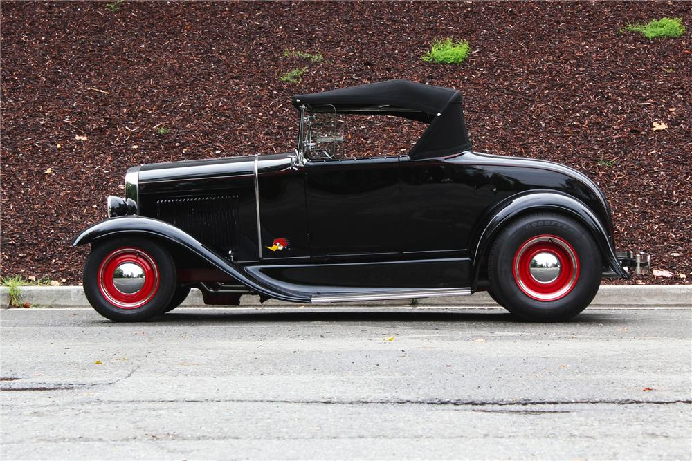 1930 FORD CUSTOM ROADSTER - Side Profile - 157973