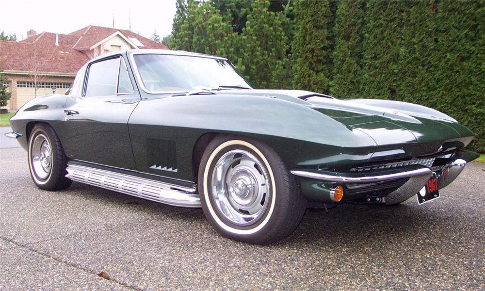 1967 CHEVROLET CORVETTE 427/435 COUPE - Front 3/4 - 15812