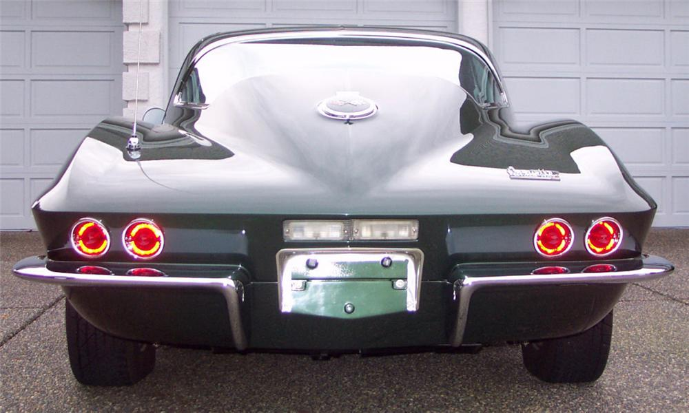 1967 CHEVROLET CORVETTE 427/435 COUPE - Rear 3/4 - 15812