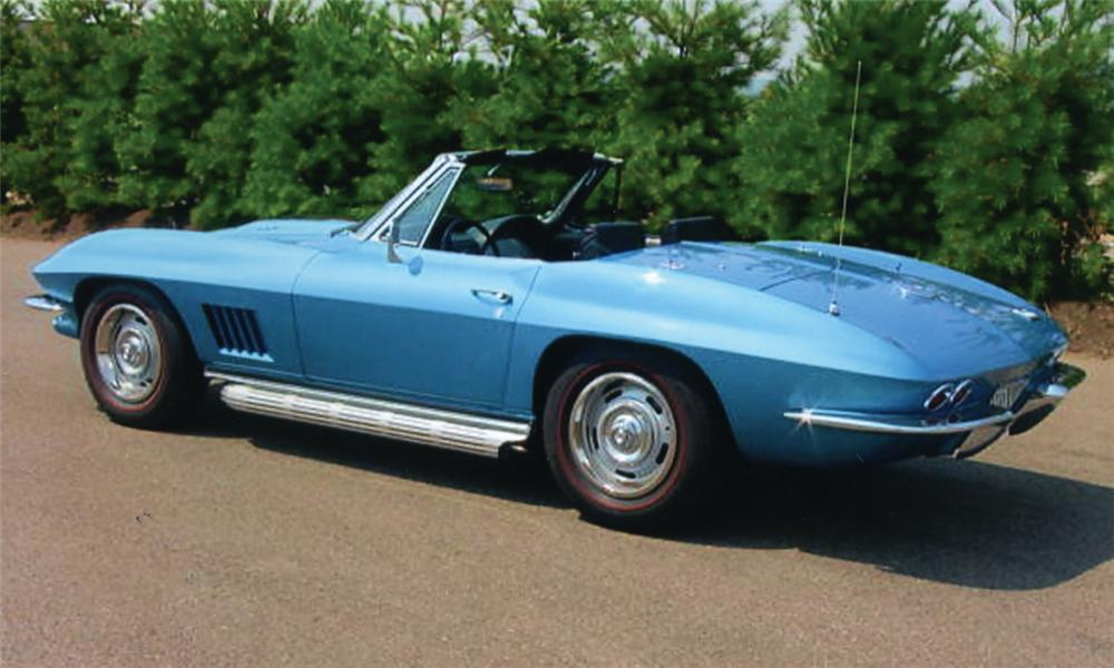 1967 CHEVROLET CORVETTE 427/435 CONVERTIBLE - Front 3/4 - 15814