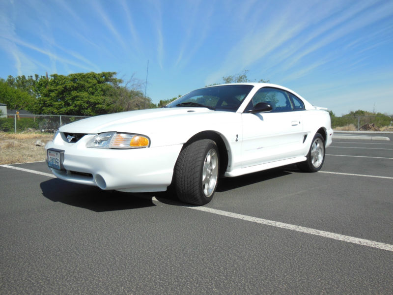 1994 FORD MUSTANG COBRA SVT 2 DOOR COUPE - Front 3/4 - 158181