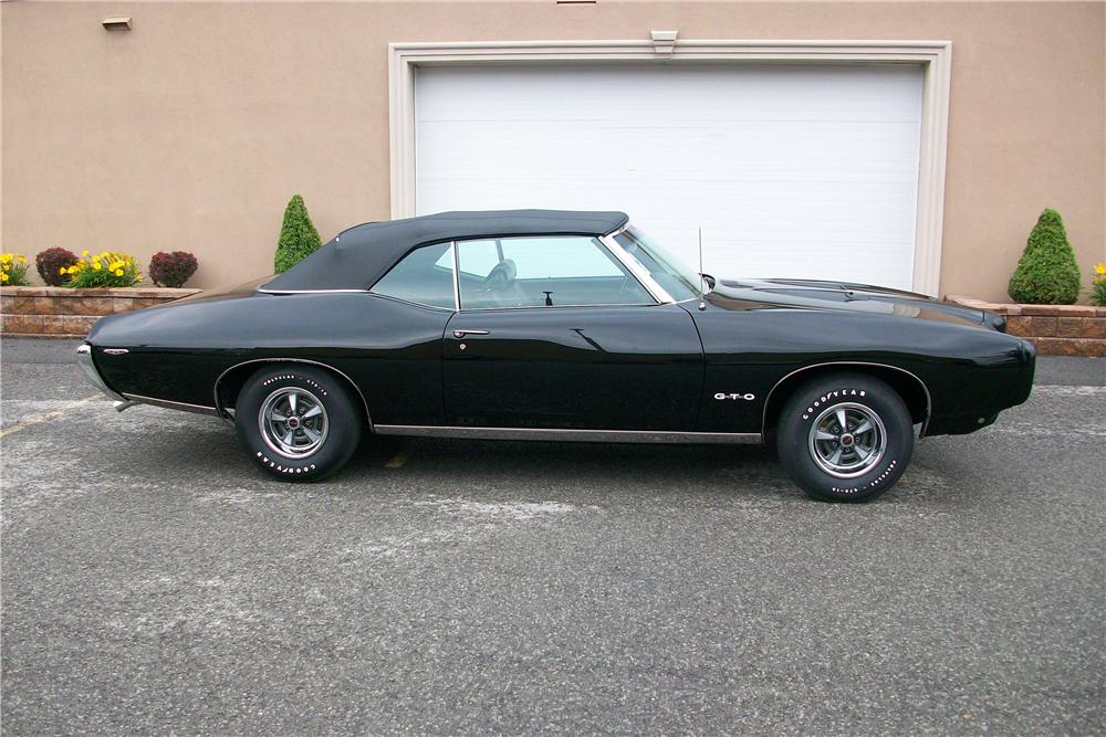 1969 PONTIAC GTO CONVERTIBLE - Side Profile - 158265