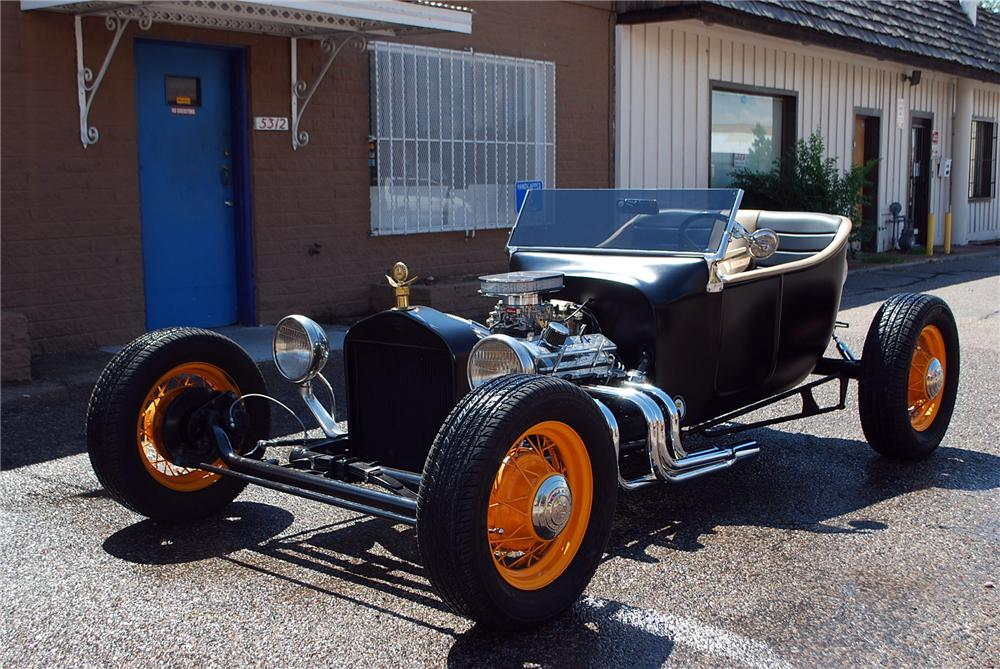 1923 FORD MODEL T CUSTOM ROADSTER - Front 3/4 - 158319