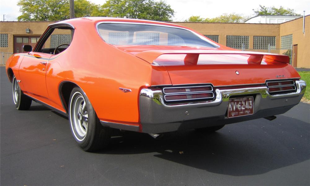 1969 PONTIAC GTO JUDGE 2 DOOR HARDTOP - Rear 3/4 - 15833