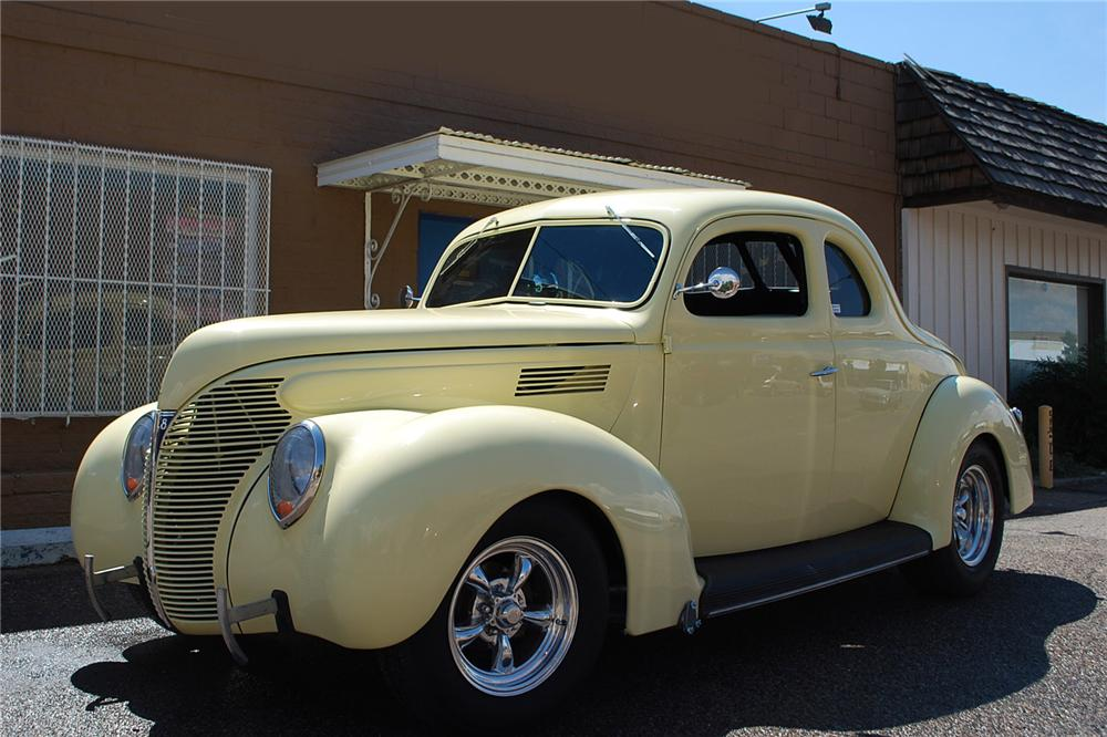 1939 FORD STANDARD CUSTOM 2 DOOR COUPE - Side Profile - 158340