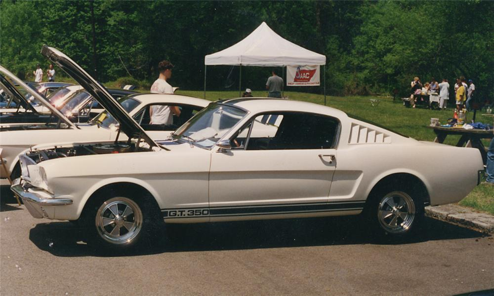 1965 SHELBY GT350 FASTBACK - Front 3/4 - 15836