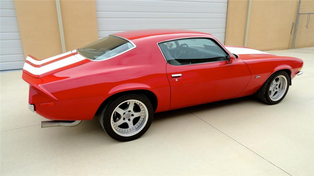 1970 CHEVROLET CAMARO Z/28 CUSTOM 2 DOOR COUPE - Rear 3/4 - 158365