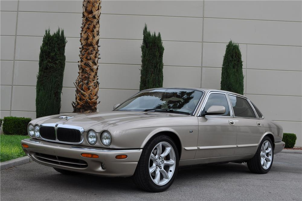 1998 JAGUAR XJ8 4 DOOR SEDAN - Front 3/4 - 158384