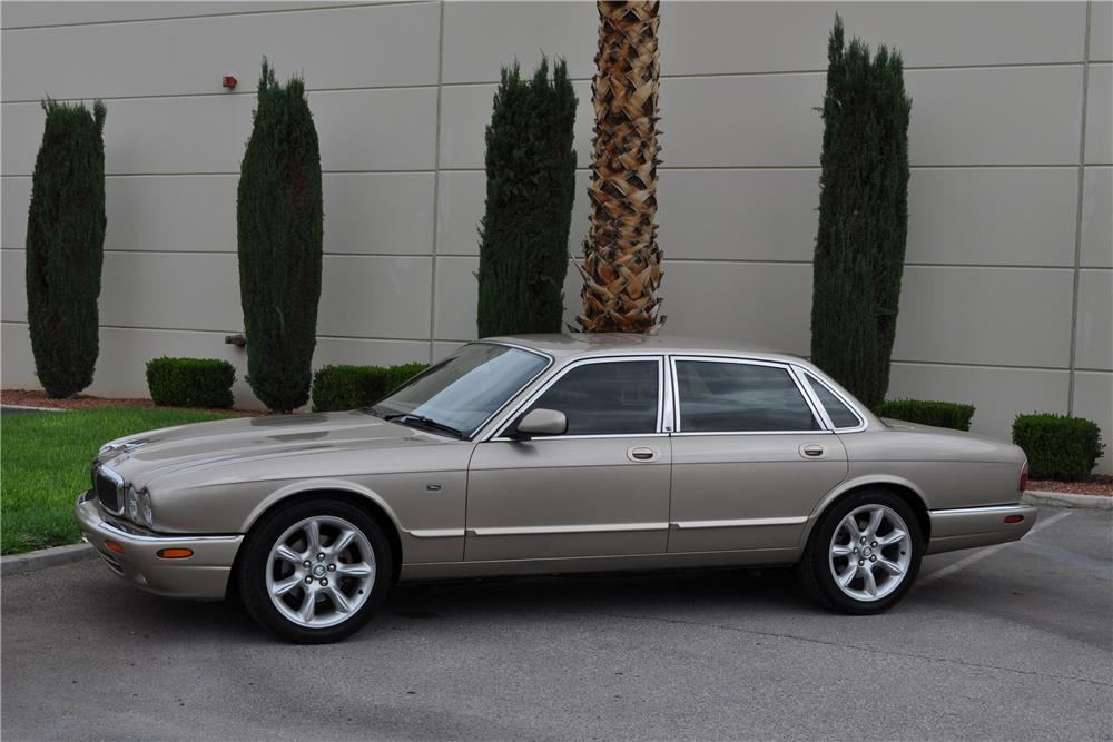 1998 JAGUAR XJ8 4 DOOR SEDAN - Side Profile - 158384