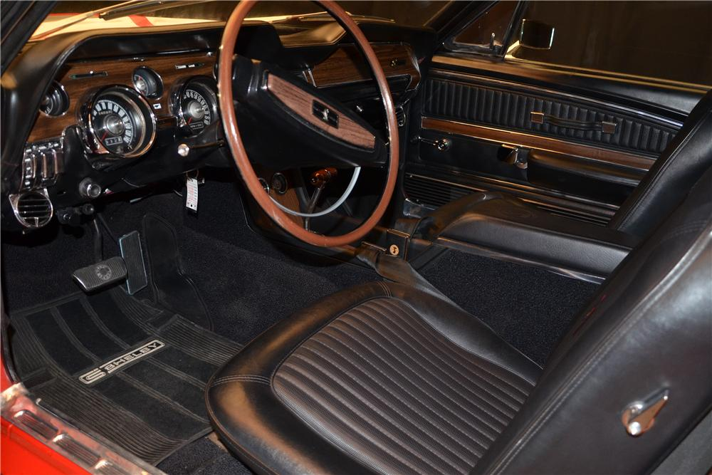 1967 FORD MUSTANG CUSTOM FASTBACK - Interior - 158403