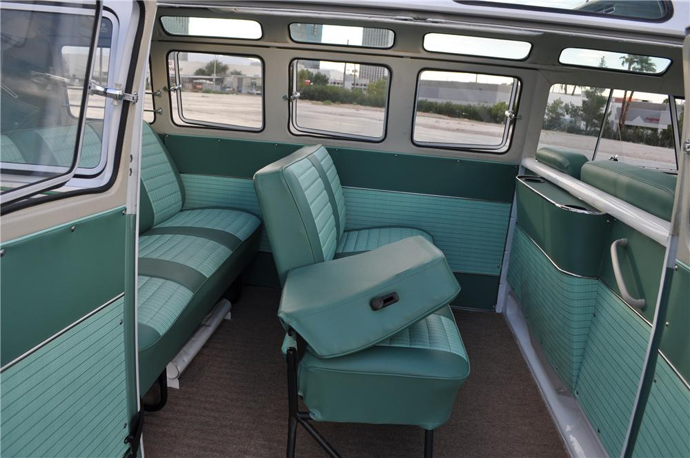 1964 VOLKSWAGEN 21 WINDOW SAMBA BUS - Interior - 158421