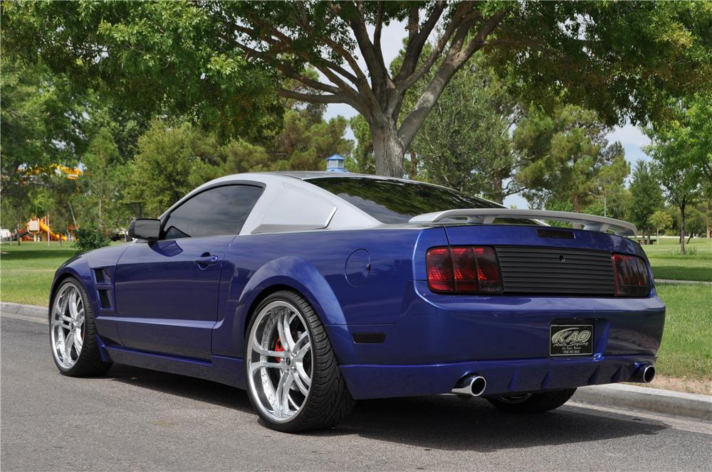 2005 FORD MUSTANG GT CUSTOM FASTBACK - Rear 3/4 - 158433