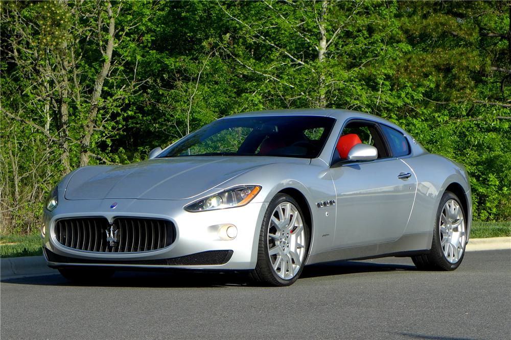 2010 MASERATI GRAND TURISMO 2 DOOR COUPE - Front 3/4 - 158441