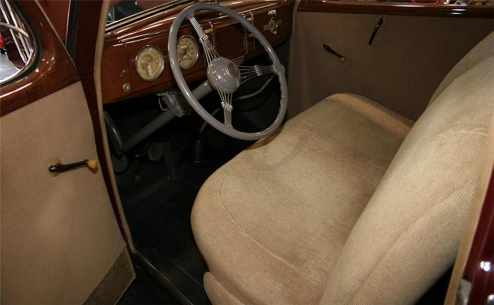 1939 FORD 2 DOOR SEDAN - Interior - 15876