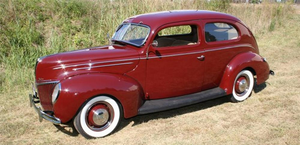 1939 FORD 2 DOOR SEDAN - Side Profile - 15876