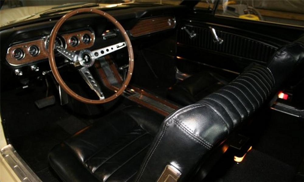 1966 FORD MUSTANG COUPE - Interior - 15882