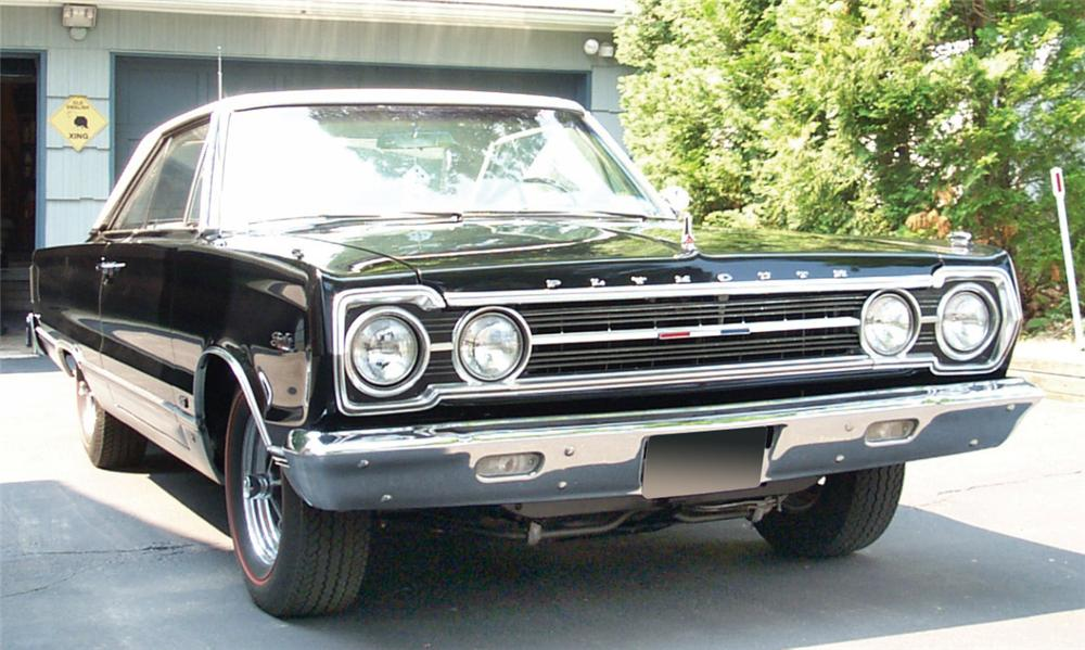1967 PLYMOUTH HEMI SATELLITE 2 DOOR HARDTOP - Front 3/4 - 15887