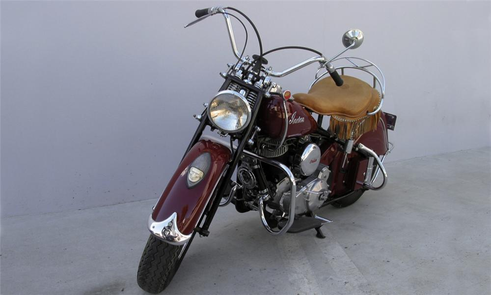 1947 INDIAN CHIEF MOTORCYCLE - Front 3/4 - 15897