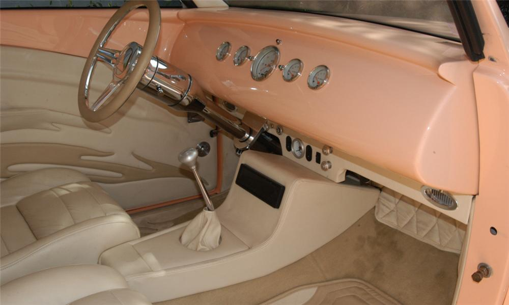 1937 FORD ROADSTER STREET ROD - Interior - 15921