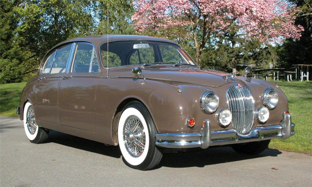 1963 JAGUAR MARK II SALOON - Front 3/4 - 15933