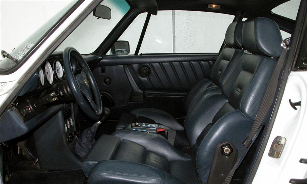 1985 PORSCHE 930 TURBO SLANT NOSE COUPE - Interior - 15934