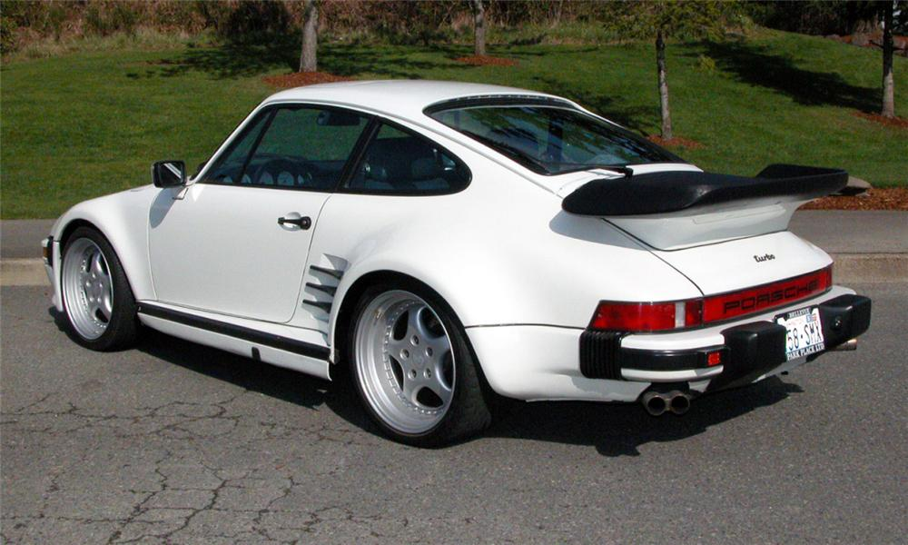 1985 PORSCHE 930 TURBO SLANT NOSE COUPE - Rear 3/4 - 15934