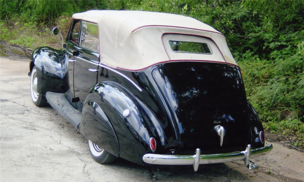 1939 FORD 4 DOOR CONVERTIBLE - Rear 3/4 - 15959
