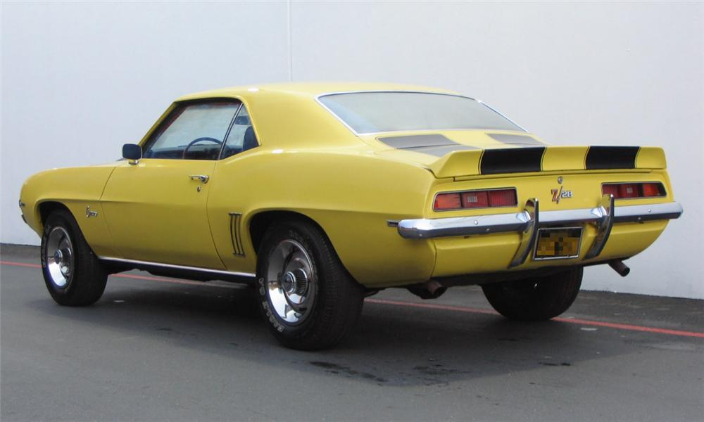 1969 CHEVROLET CAMARO Z/28 COUPE - Rear 3/4 - 15978
