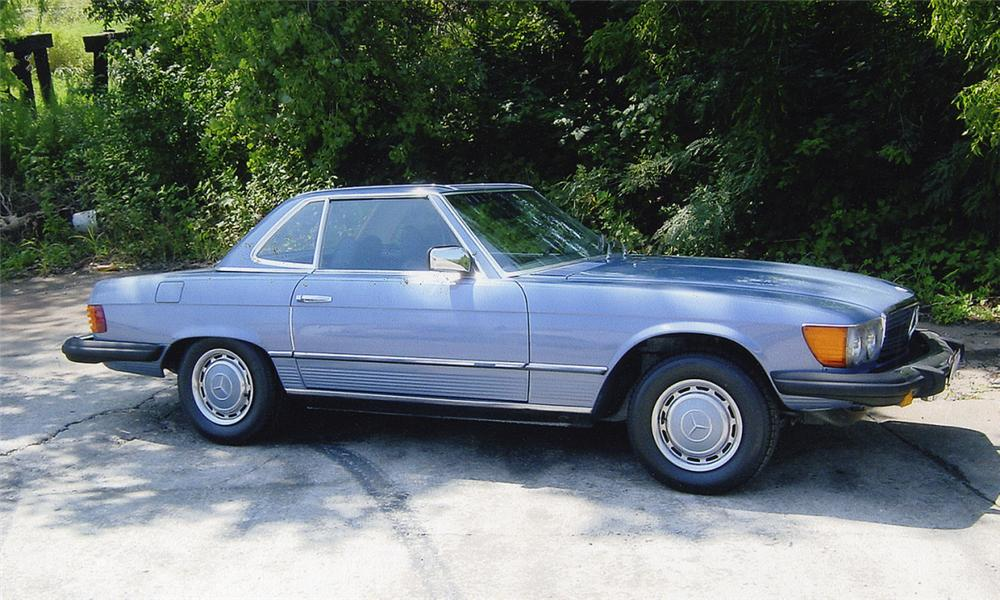 1977 MERCEDES-BENZ 450SL CONVERTIBLE - Side Profile - 15988