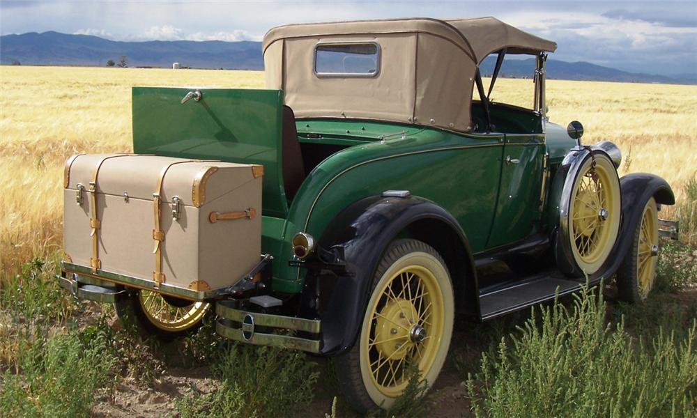 1929 FORD MODEL A DELUXE ROADSTER - Rear 3/4 - 15995