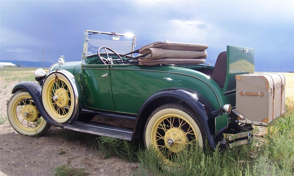 1929 FORD MODEL A DELUXE ROADSTER - Side Profile - 15995