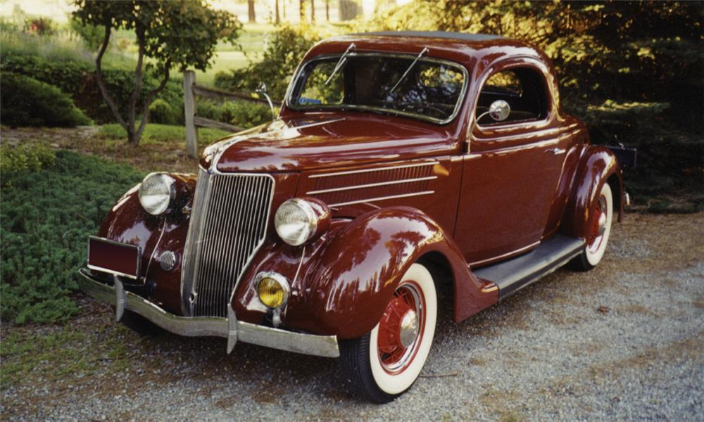 1935 FORD 3 WINDOW COUPE - Front 3/4 - 16003