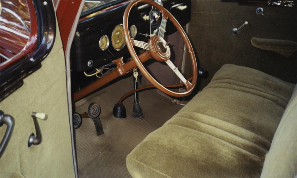 1935 FORD 3 WINDOW COUPE - Interior - 16003