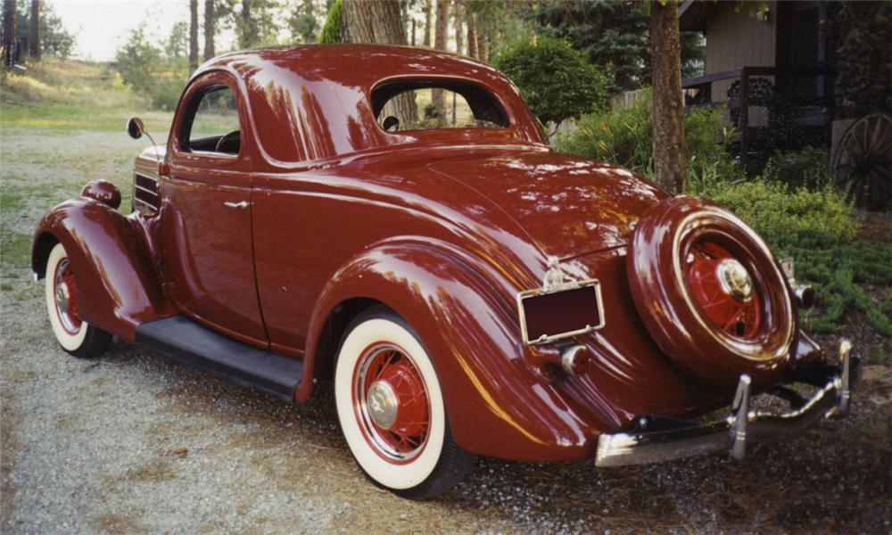 1935 FORD 3 WINDOW COUPE - Rear 3/4 - 16003