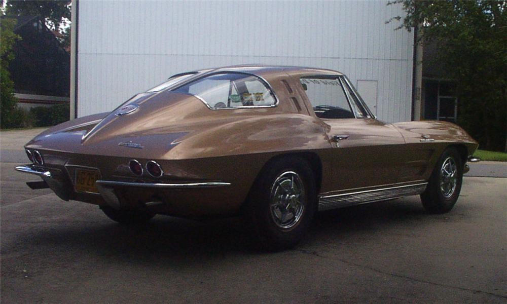 1963 CHEVROLET CORVETTE ZO6 COUPE - Rear 3/4 - 16004