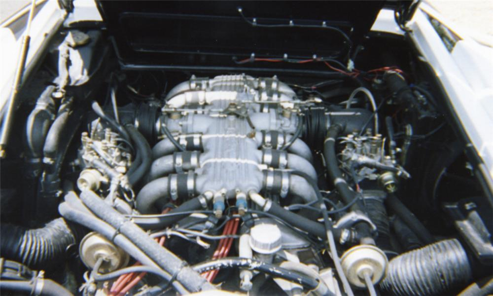 1985 LAMBORGHINI COUNTACH COUPE - Engine - 16012
