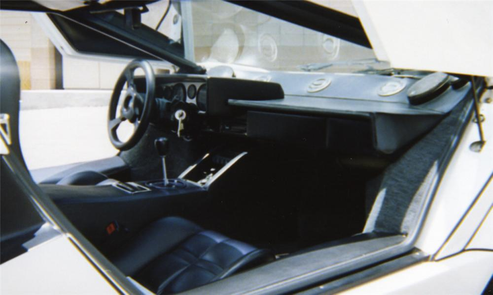 1985 LAMBORGHINI COUNTACH COUPE - Interior - 16012