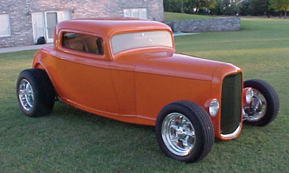 1932 FORD HI-BOY CUSTOM 3 WINDOW COUPE - Front 3/4 - 16045