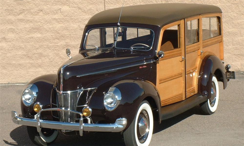 1940 FORD WOODY WAGON - Front 3/4 - 16050