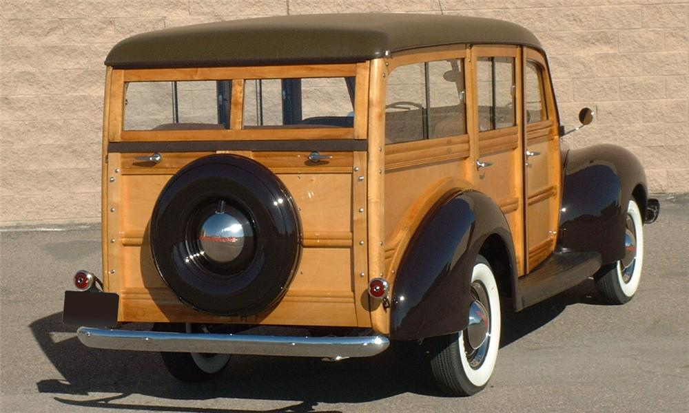 1940 FORD WOODY WAGON - Rear 3/4 - 16050