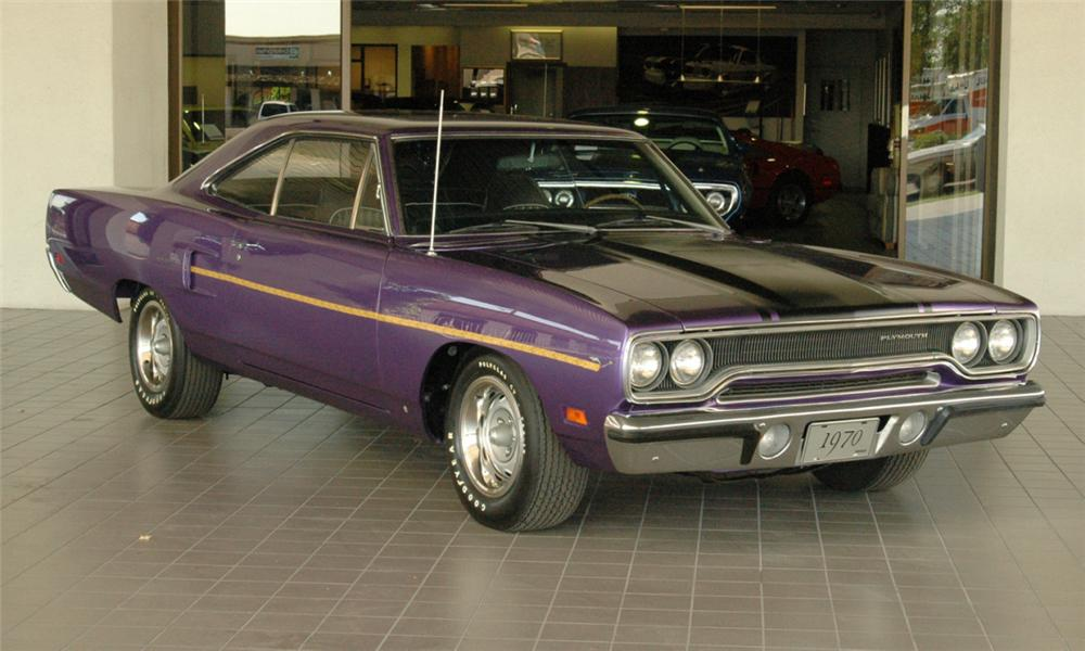 1970 PLYMOUTH HEMI ROAD RUNNER COUPE - Front 3/4 - 16052