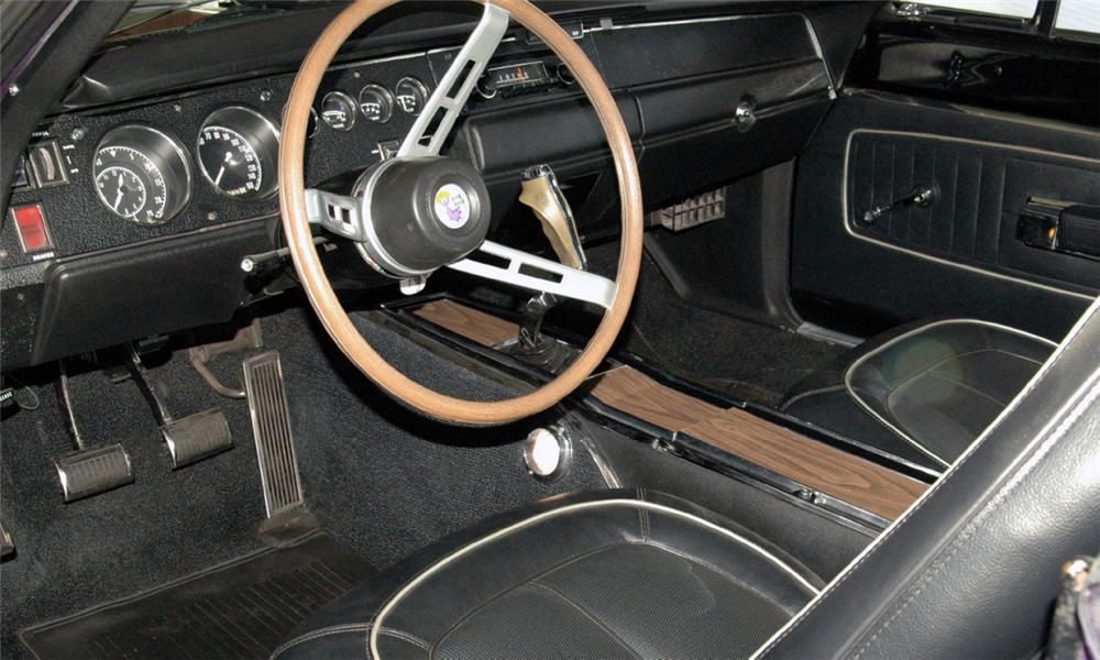 1970 PLYMOUTH HEMI ROAD RUNNER COUPE - Interior - 16052