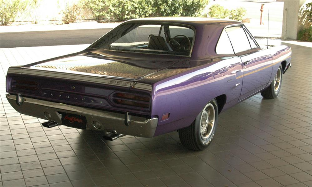 1970 PLYMOUTH HEMI ROAD RUNNER COUPE - Rear 3/4 - 16052