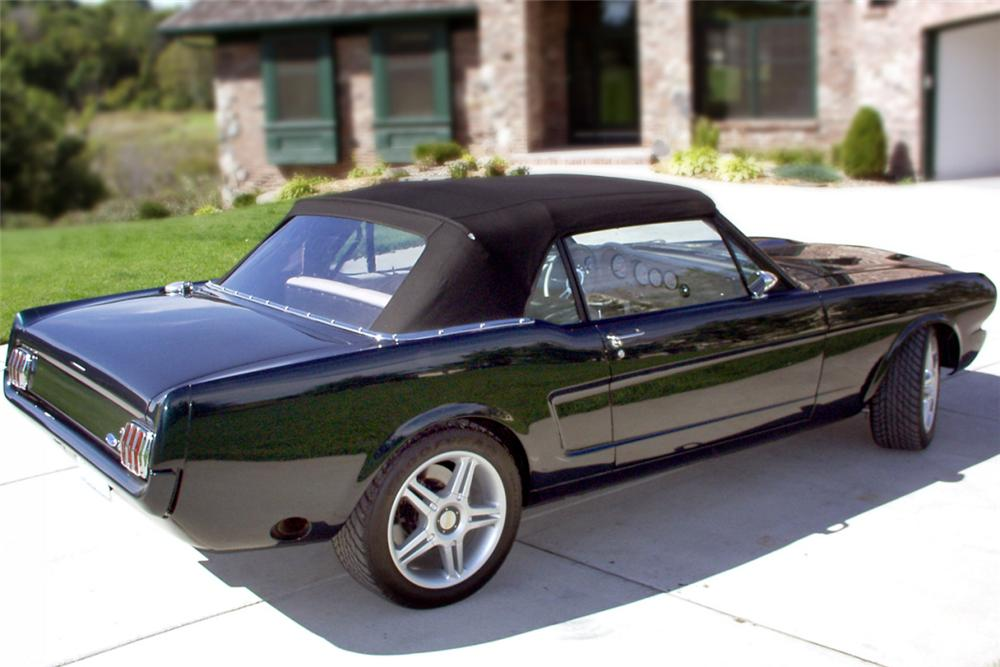 1966 FORD MUSTANG CUSTOM CONVERTIBLE - Rear 3/4 - 16057