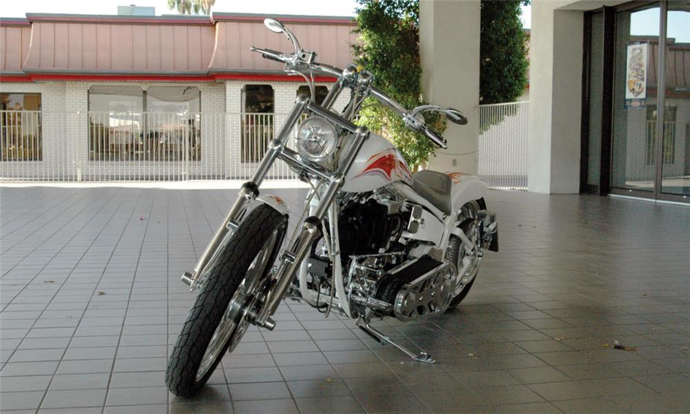 1998 HARLEY-DAVIDSON SOFTAIL CUSTOM MOTORCYCLE - Front 3/4 - 16071
