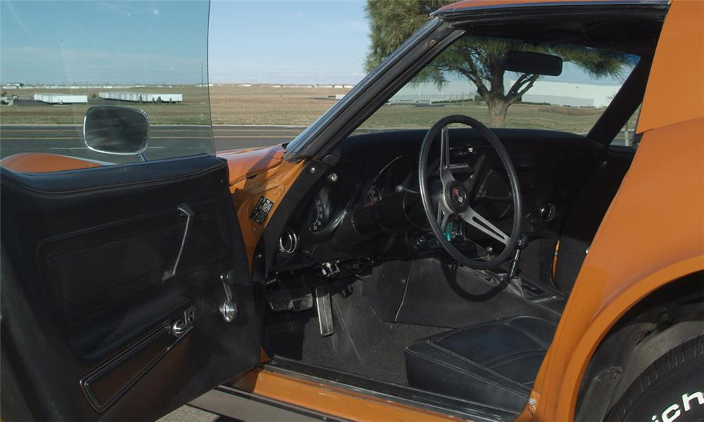 1972 CHEVROLET CORVETTE COUPE - Interior - 16077