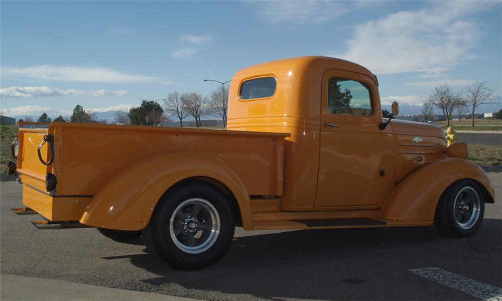 1938 CHEVROLET STREET ROD PICKUP - Rear 3/4 - 16082